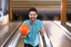 what bowling balls pros use